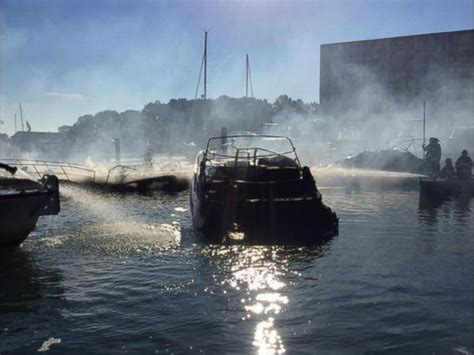 boat marina in quincy raging fire sets at least 5 boats ablaze at quincy marina
