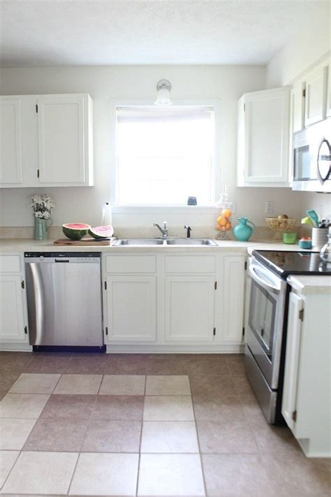 how to clean painted kitchen cabinets cleaning painted kitchen cabinets simple cleaning
