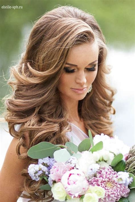 Wedding Hairstyles For Summer by 33 Stunning Summer Wedding Hairstyles Wedding