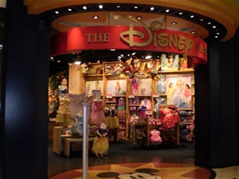 Disney Store City Floor - disney store roosevelt field mall garden city ny the