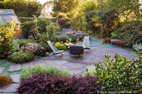 Backyard Garden Oasis by Water For Summer Gardens Summer Celebrate