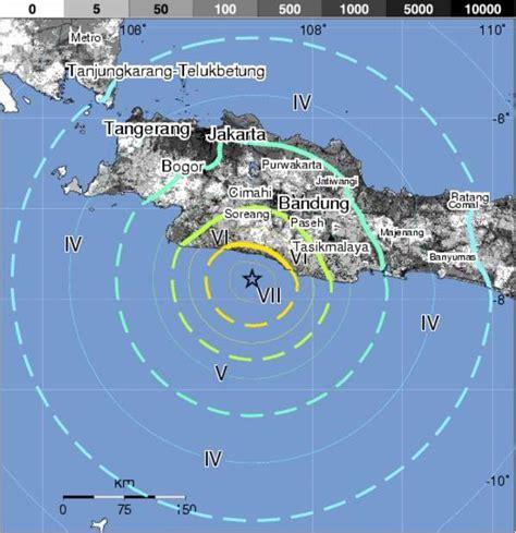 earthquake java today 6 7 magnitude quake strikes off indonesia s java the