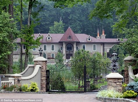 new jersey house teresa and joe giudice put their new jersey house on the