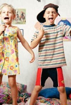 giochi da fare in casa da soli giochi per bambini in casa go mamma