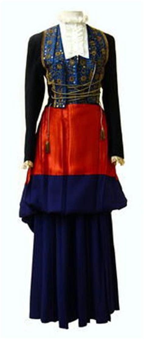Nafara Dress traje regional de navarra traje tradicional navarro
