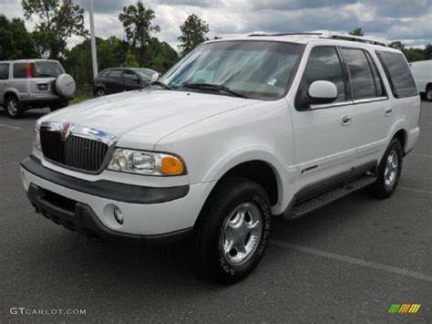 oxford white 1999 lincoln navigator 4x4 exterior photo