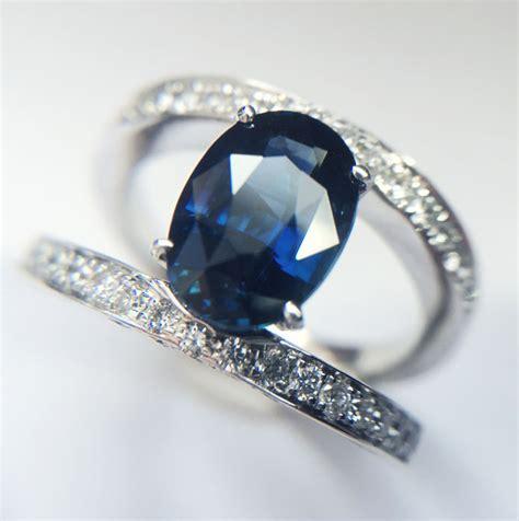 Royal Blue 3 11 Ct Garansi No Heat ring met koningsblauwe saffier en diamanten gemaakt