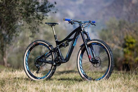 Ibis Background Check Ibis Hd3 Quot Quicksilver Quot Bayou S Bike Check Vital Mtb