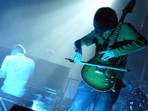testo dei radiohead canzoni contro la guerra spirit