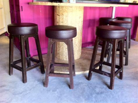 2nd hand rotating bar stool