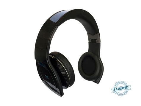 helios solar headphones say hello to the world s solar powered bluetooth