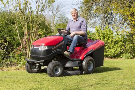 best lawn tractors battle of the best lawn tractor for snow removal