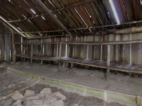 plank house chinook plankhouse with bunks along the entire wall
