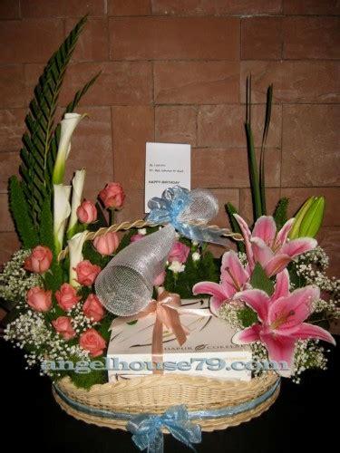 Kue Tart Birthday Ultah Anniversary Bouquet Mawar Cake Malang rangkaian bunga dan kue tart birthday gift florist toko