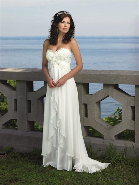 Summer Wedding Dresses by Summer Wedding Dresses For Your Summer Wedding Theme