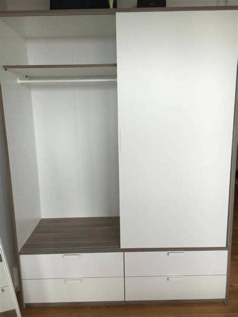 Wohnzimmerschrank Mit Kleiderschrank by Wohnzimmerschrank Ikea Ikea Kleiderschrank In Hannover