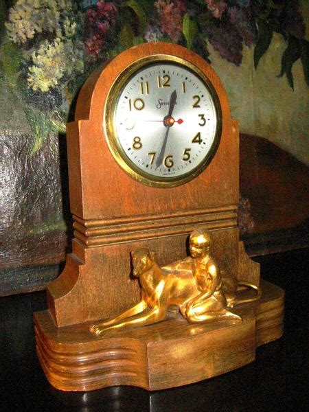 master crafters sessions mantle clock bronze hound  boy