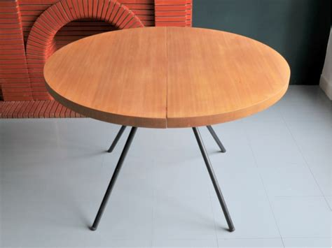 Table Ronde A Rallonge by Table Ronde Vintage Moderniste Maison Nantes