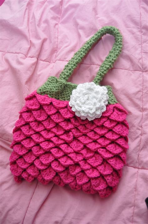crochet pattern strawberry purse 30 best images about strawberry on pinterest bags