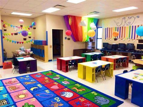classroom themes hot air balloons pin by jennifer russell on teaching stuff pinterest