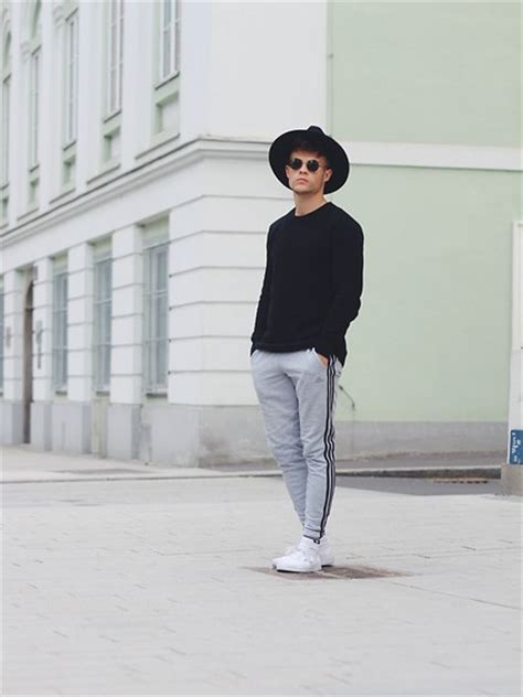 Sweater Vans Oldys Jaket Sweater Vans Nike Adidas Macbeth kevin elezaj vans sneakers adidas sweatpants h m sweater vintage glasses asos hat