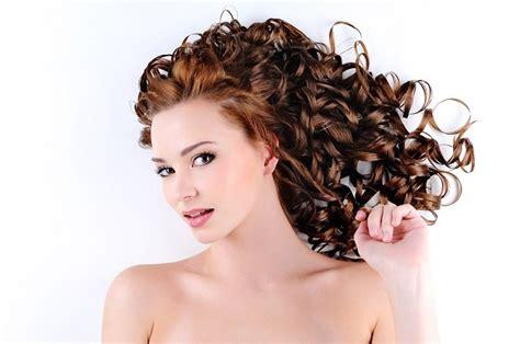 alimenti per far crescere il far crescere velocemente i capelli scopri gli alimenti