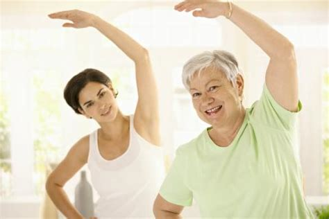 imagenes de yoga para tercera edad deportes recomendados en la tercera edad