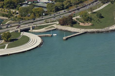 boat slips for rent chicago il diversey harbor inlet in chicago il united states