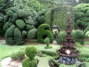 Pearl Fryar Topiary Garden - we are the world pearl fryar topiary garden bishopville sc