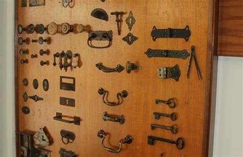 serrature antiche per mobili articolirestauro mobili antichi e moderni ferramenta