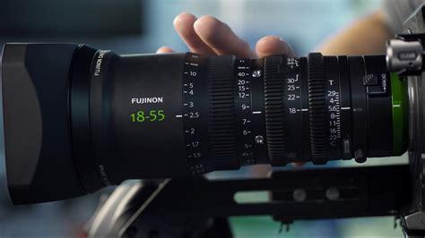cineplex zoom silly comedy skit explains how photo and cinema zoom