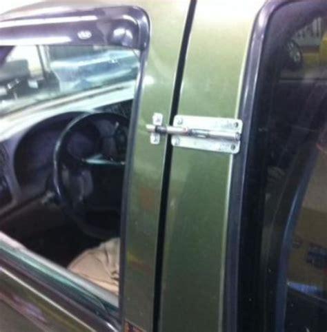 Kunci Pintu Mobil Timor Lol Kamu Emang Harus Berhati Hati Ketika Menyimpan Barang
