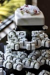 square cupcakes wedding cakes on mini wedding cakes wedding cakes and wedding cakes
