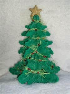 weihnachtsbaum plastik plastic canvas tree by heddalee on deviantart