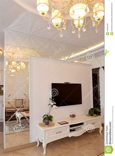 Shelves In Kitchen Ideas s 233 paration de mur de miroir d interroom dans un salon