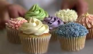 wedding cupcake decorating and cake decorating