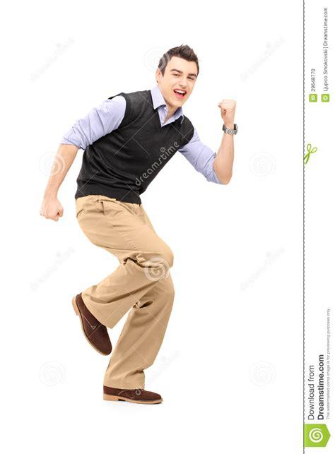 imagenes alegres para hombres retrato integral de un hombre alegre joven que gesticula