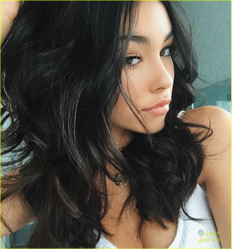 madison beer short hair madison beer tries out a gray wig before something sweet