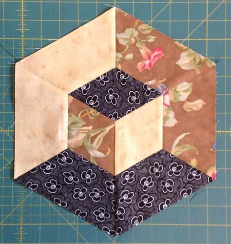 Tumbling Blocks Patchwork - 25 best ideas about tumbling blocks on quilt