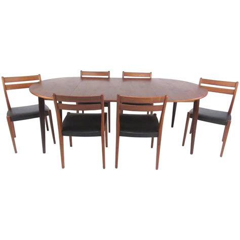 Mid Century Modern Dining Room Table Mid Century Modern Scandinavian Teak Dining Set With Extension Table At 1stdibs