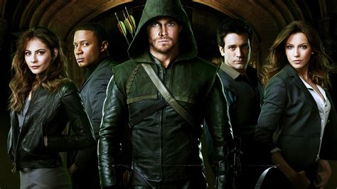 arrow tv series why arrow is just as cheesy as agents of s h i e l d