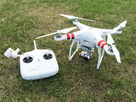 Drone Phantom 3 Malaysia dji s new phantom 3 standard is the drone you can actually afford stuff
