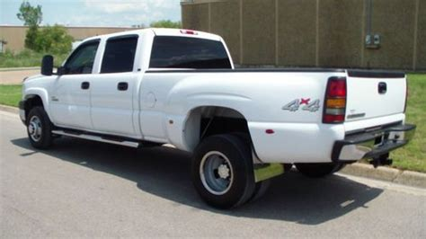 how make cars 2006 chevrolet silverado 3500 windshield wipe control 2006 chevy express 3500 sell used 2006 chevy 3500 4x4 lt crew cab duramax dually with 6 speed allison auto leather in