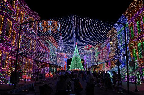 christmas lights at disney s hollywood studios flickr