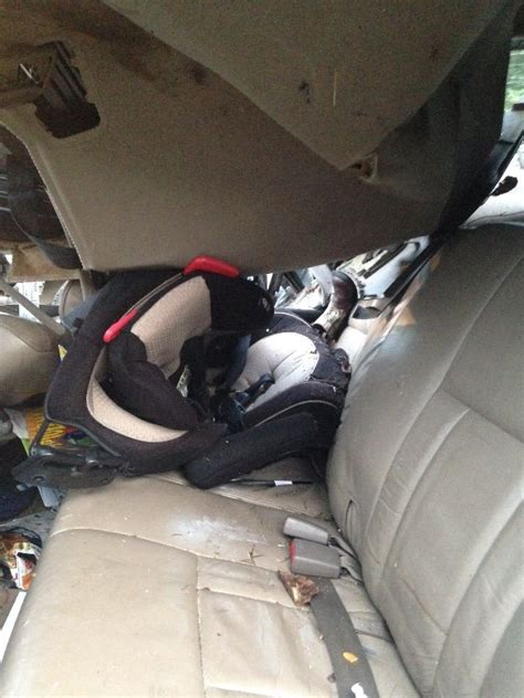car seat cocooning in crash toddler survives crash due to properly installed car seat