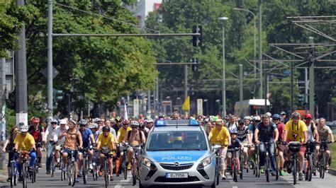 Kann Ich Mein Auto In Einer Anderen Stadt Anmelden by Wie Viel Fahrrad Stadt Kann Berlin Vertragen B Z Berlin