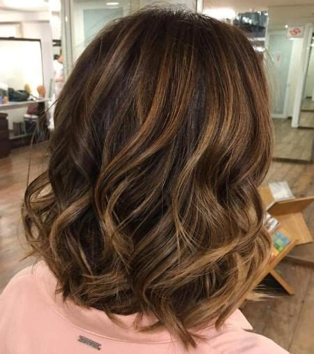 caramel brown bobs for round faces 60 looks with caramel highlights on brown and dark brown hair