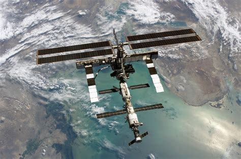 international space station live external view esrs iss remote sensing systems