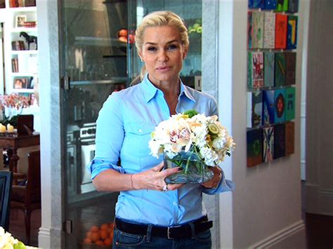 yolanda fosters wall of paintings in her kitchen how to be a housewife with yolanda foster