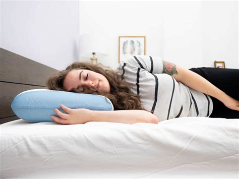 Best Pillow For Side Sleeper With Neck by Best Pillows For Side Sleepers More Support To Avoid